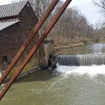 صورة فوتوغرافية لـ Pine Creek Grist Mill