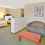 2 Queen Bed Room With Seating
