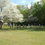 ภาพถ่ายของ Gov. Caswell Memorial