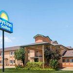 Days Inn & Suites by Wyndham Wichita