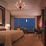 Horizon River View King Room
