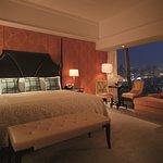 Premier Suite (Bedroom)