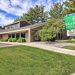 GrandStay Hotel & Suites Traverse City
