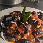 Fresh mussels diablo