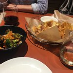 Alumni Sandwich & Liqour Bar照片