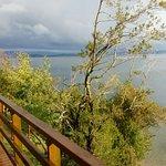 Calidez junto al lago
