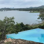 Infinity pool with breathtaking views of Kandalama lake