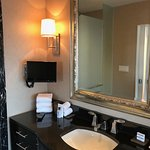 Room 805 Governors Suite- main bathroom