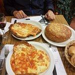 La porción es una Milanesa a la Napolitana, aunque no parezca la estamos compartiendo!