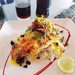 Рыба со шпинатом и соусом