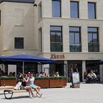 Street view of Zizzi - Italien restaurant.
