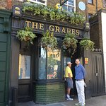 The Grapes resmi