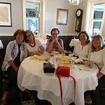 Getaway Girls at the Piper Tavern! Certainly enjoyed our lunch after the Designer House!