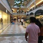 Bilde fra Hillsdale Shopping Center