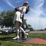 Фотография Unconditional Surrender Sculpture