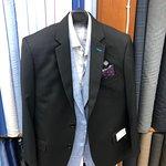 Giri's Custom Tailor Foto