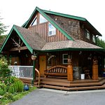 Main lodge where charter guests go for breakfast and supper