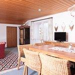 FEWO Gipfelglück Wohnraum mit Sitzecke