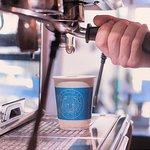 """Não há mais desculpas para não tomar café!  Nossos cafés são 100% """"to go """""""