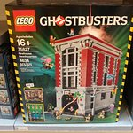 Yes, that's really a Ghostbusters firehouse LEGO set.