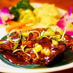Pork spare ribs with vegetables and mashed potatoes