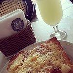 torrada americana com queijo e limonada suiça