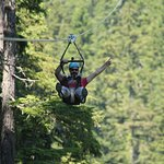 Truly amazing – flying through the sky over the treetops!