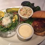 Crabcake sandwhich with green salad
