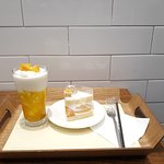 real mango cake is yummy