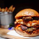 The mighty Grilled Veggies and Halloumi Burger (VG)