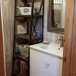 Sunrise Cabin downstairs bath