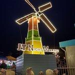 JT night market