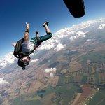 Salto de paraquedas.