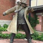 Statue of Dick Tracy along Riverwalk