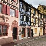 Rengarenk evler