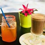 Pink limonade & classic hot chocolate