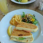 Photo de Darts Farm Restaurant