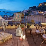 Terraza Chill Out con vistas al Castell de Begur. Exclusivo clientes.