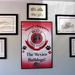 Stacey's supports the Mexico Bulldogs..woof~woof... by Carl H. =)~