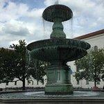 Schalenbrunnen - up close