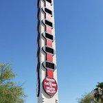 Foto di World's Tallest Thermometer
