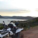 Randonnée en quad autour du lac du Salagou