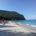 Spiaggia in mezza ombra