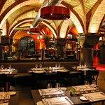 Restaurant mit Blick auf die Bar & Lounge