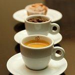 Café e bolinho,  a qualquer hora do dia.