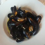 the mussels in the white wine