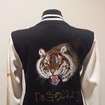 Varsity jacket a tema Giappone