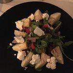 Scrumptious salad with feta and artichokes