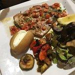 Atum com legumes