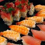 Une composition de sushi en plateau